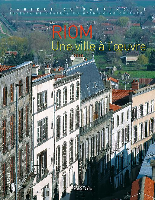 Riom une ville l 39 uvre for Piscine riom